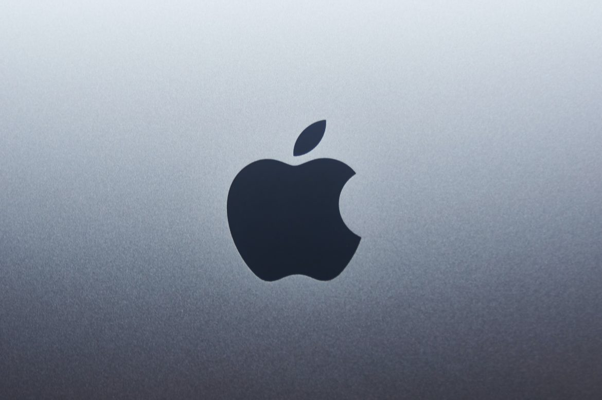 Intel Goes after Apple Silicon Macs Over Gaming